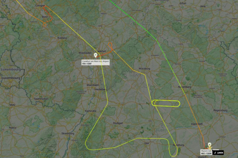 Lufthansa-Airbus-A350-burst-tire