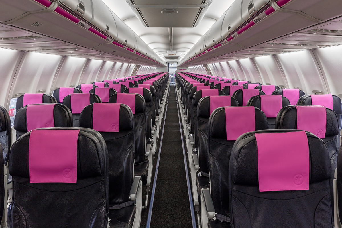 Swoop Boeing 737-800 cabin