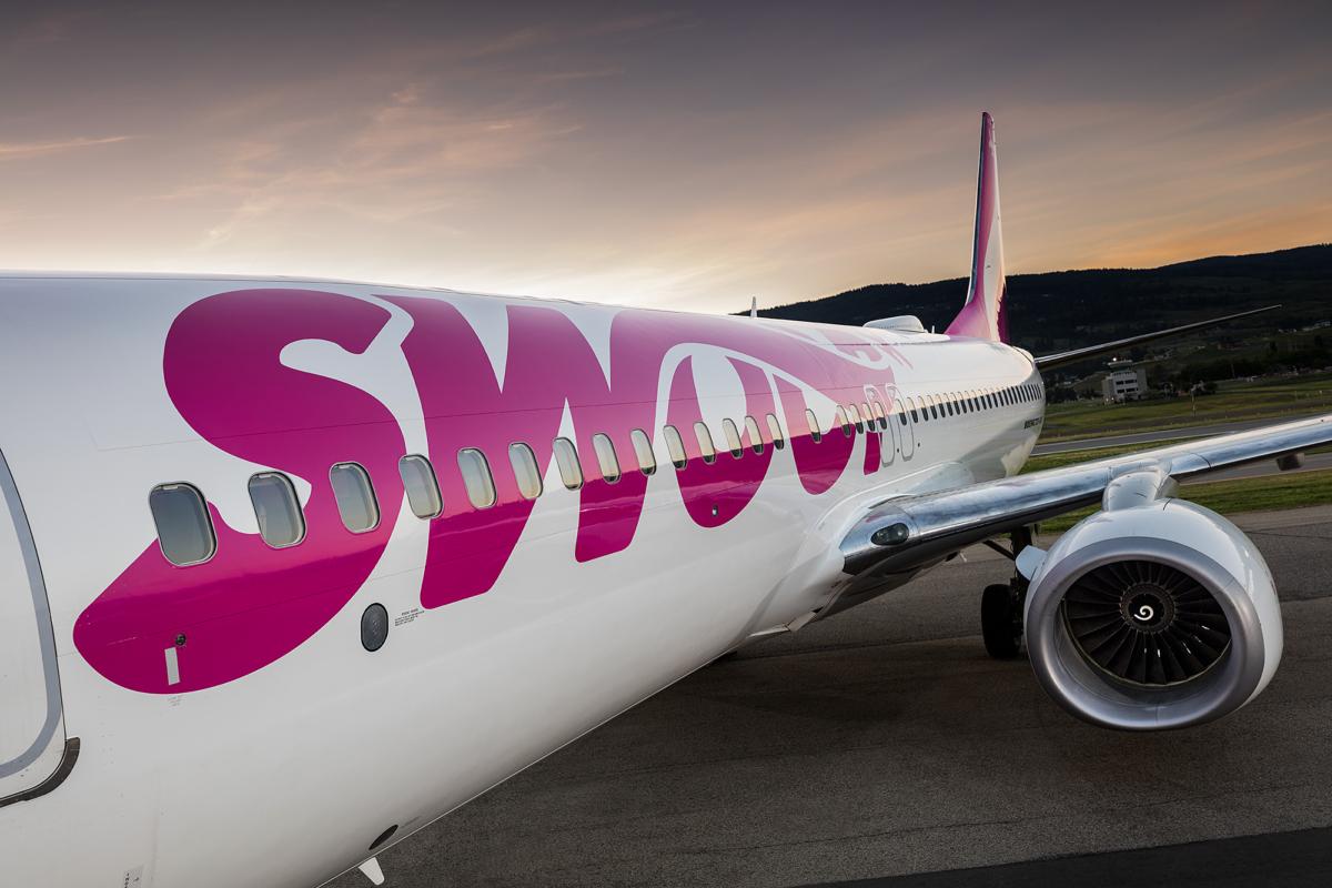 Swoop Boeing 737-800