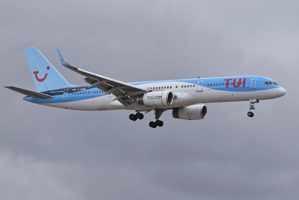 TUI Airways B757