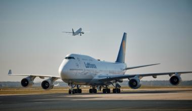 Lufthansa, Boeing 747-400, Return