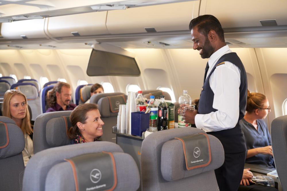 Lufthansa starts charging for alcohol on long-haul flights