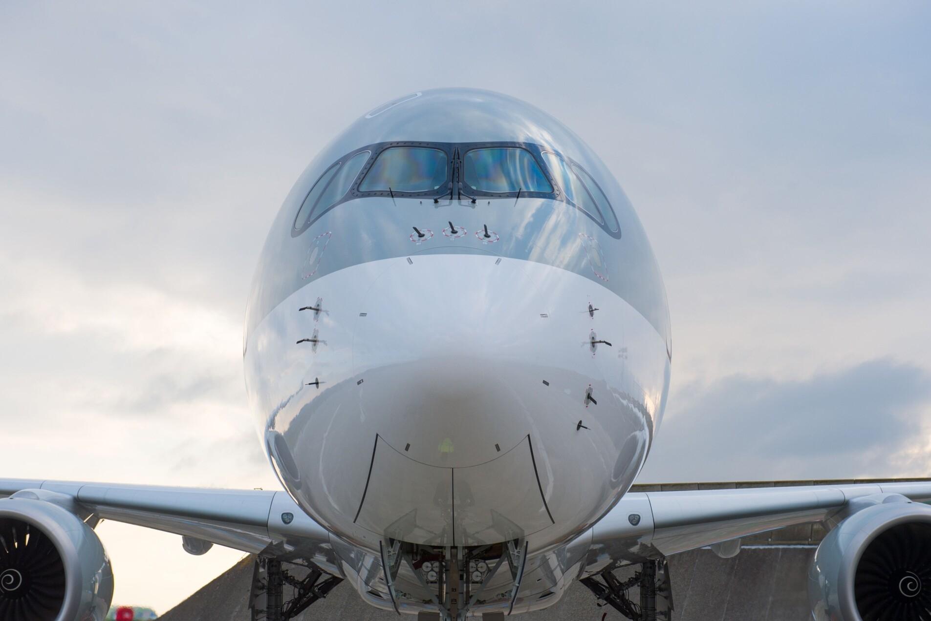 Qatar Airways, Airbus A350, Degrading Paint