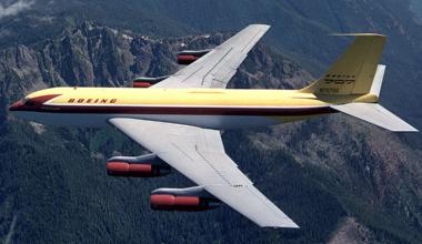 Dash 80 air to air photo by Joe Parke