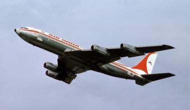 Boeing_707_Air_India_Basle_-_1976