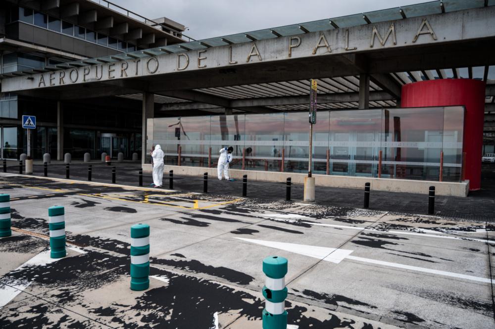 La Palma Airport volcanic ash