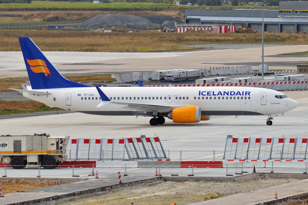 Icelandair,_TF-ICU,_Boeing_737-8_MAX_(30315141397)