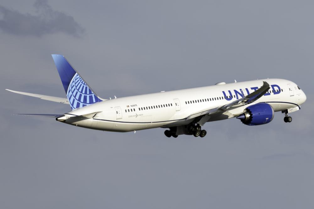 United B787-9