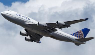United_Airlines_Boeing_747-400_(N178UA)_at_Frankfurt_Airport