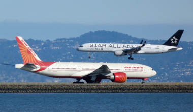 United_Airlines,_Boeing_757-224,_N14120_-_Air_India,_Boeing_777-237(LR),_VT-ALG